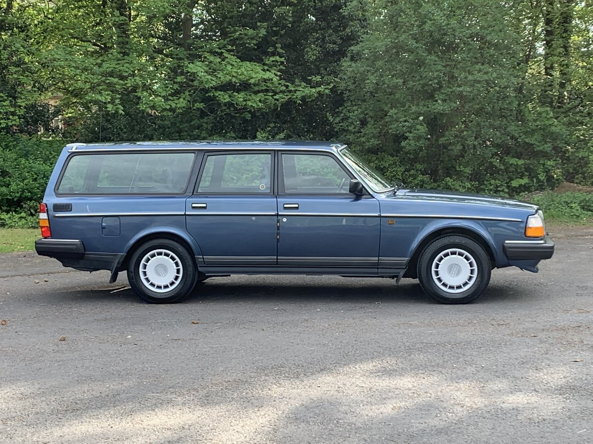 1990 VOLVO 240 2.0 GL ESTATE. MANUAL.  85,000 MILES. For Sale (picture 2 of 6)