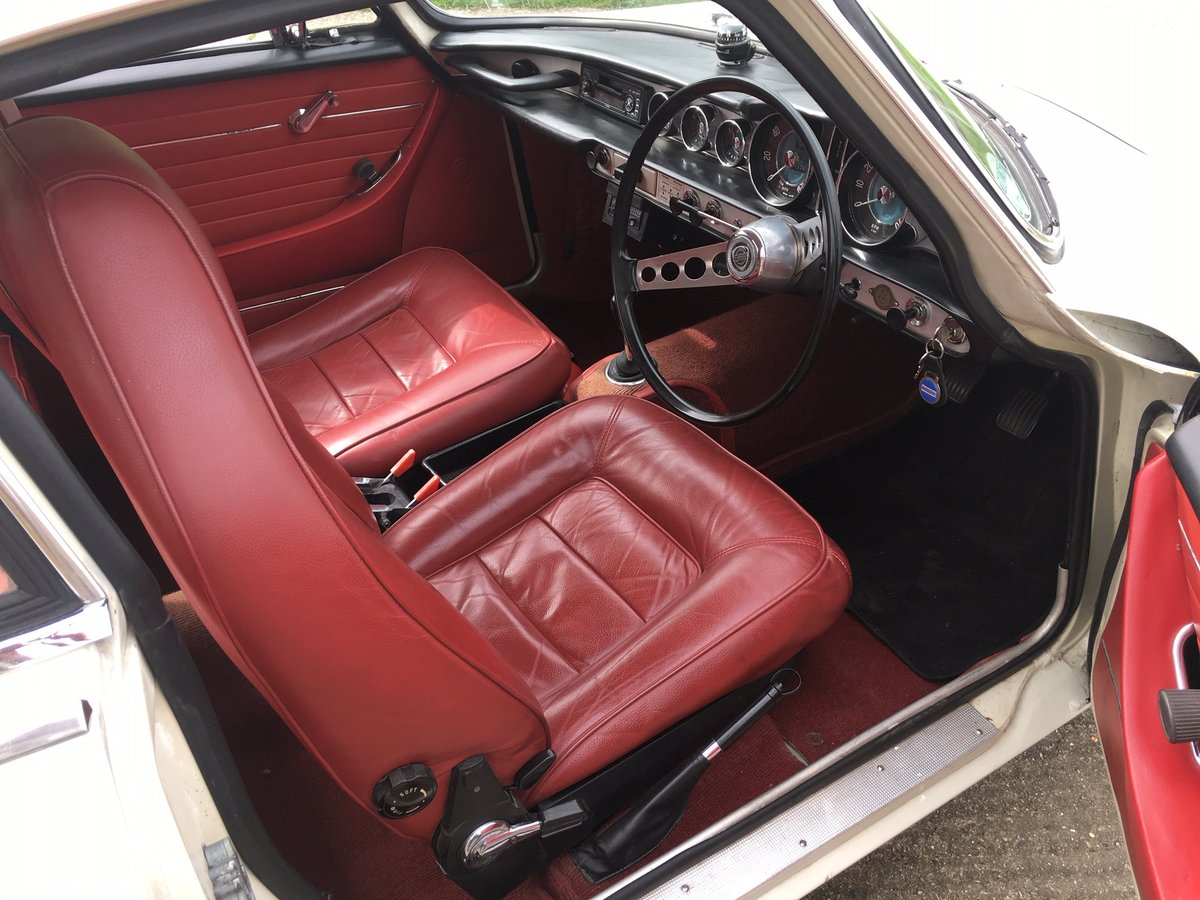 1968 Volvo 1800S, white with red interior in very good condition For Sale (picture 5 of 6)