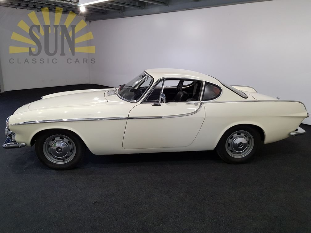 Volvo P1800S 1966 in good condition For Sale (picture 2 of 6)