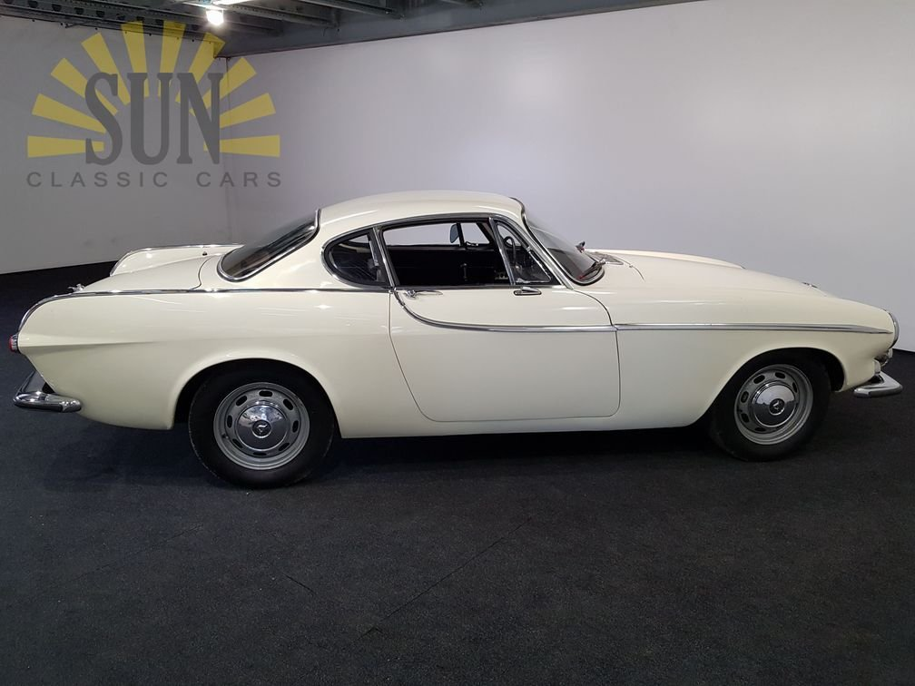Volvo P1800S 1966 in good condition For Sale (picture 3 of 6)