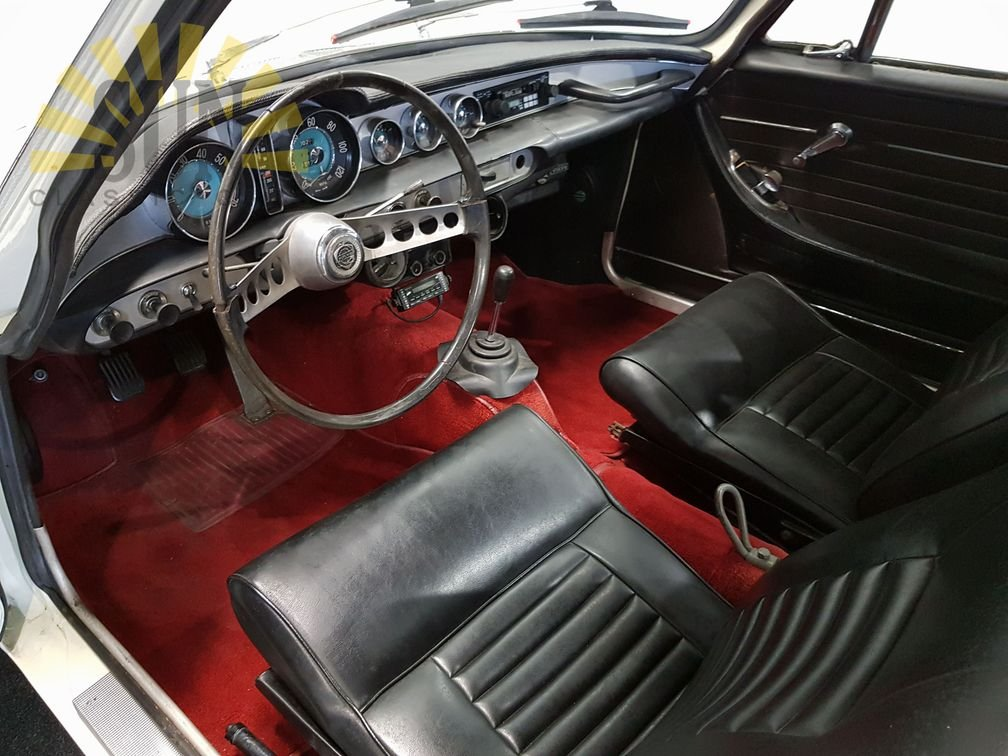 Volvo P1800S 1966 in good condition For Sale (picture 5 of 6)