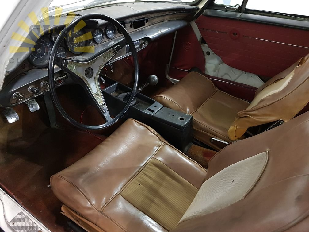 Volvo P1800E 1971, for restoration. For Sale (picture 6 of 6)