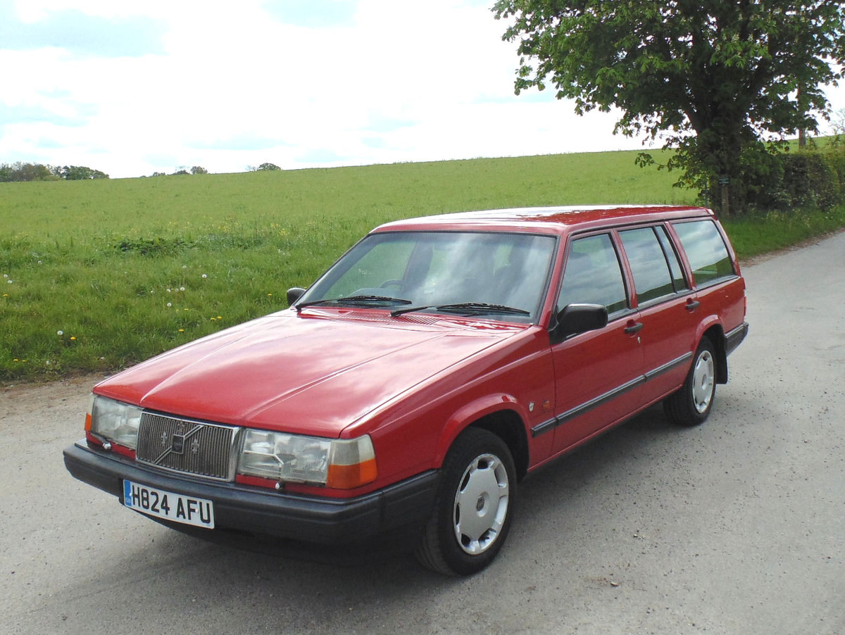 1990 Volvo 940GL Automatic Estate SOLD (picture 1 of 6)