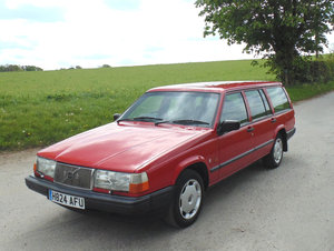 1990 Volvo 940GL Automatic Estate SOLD