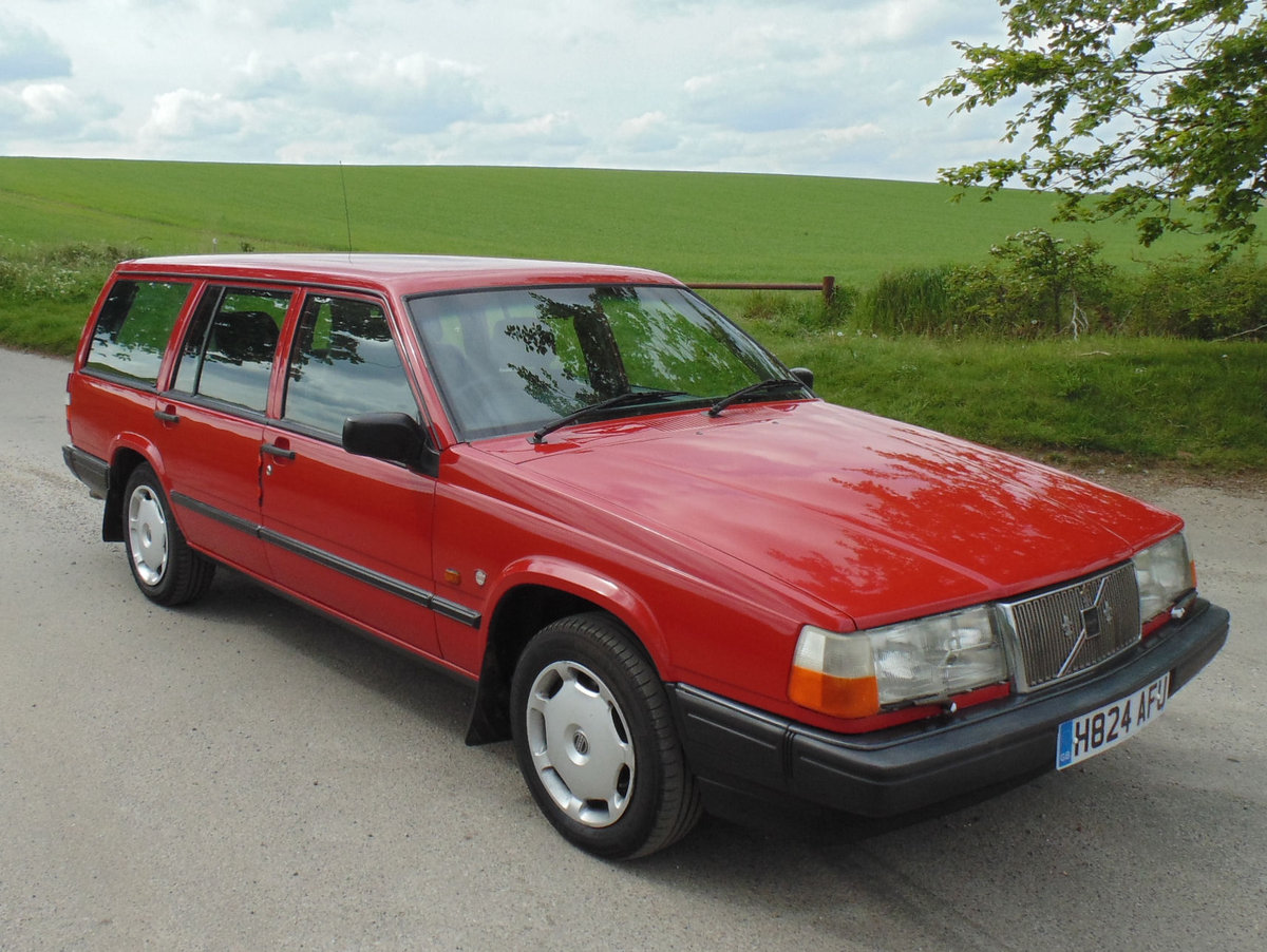 1990 Volvo 940GL Automatic Estate SOLD (picture 2 of 6)