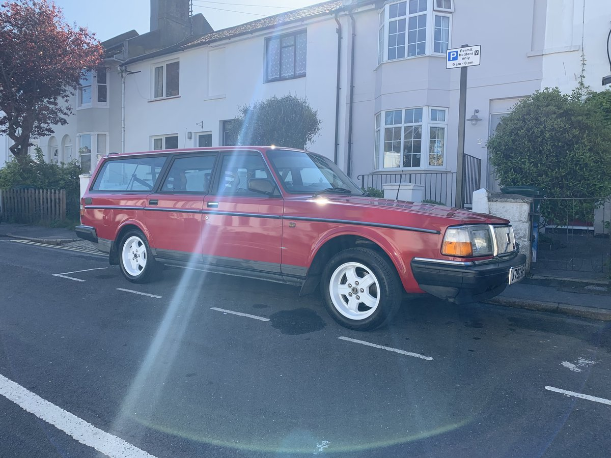 1992 Volvo 240great condition For Sale (picture 1 of 6)