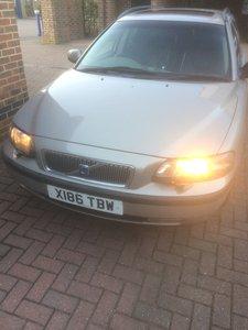 2000 Volvo V70 Estate, Petrol,  113k  + Tow Bar  £550