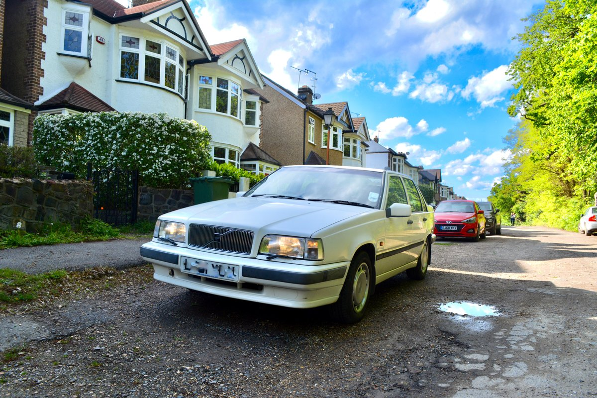 1993 VOLVO 850 GLT  Immaculate Rare Modern Classic For Sale (picture 1 of 6)