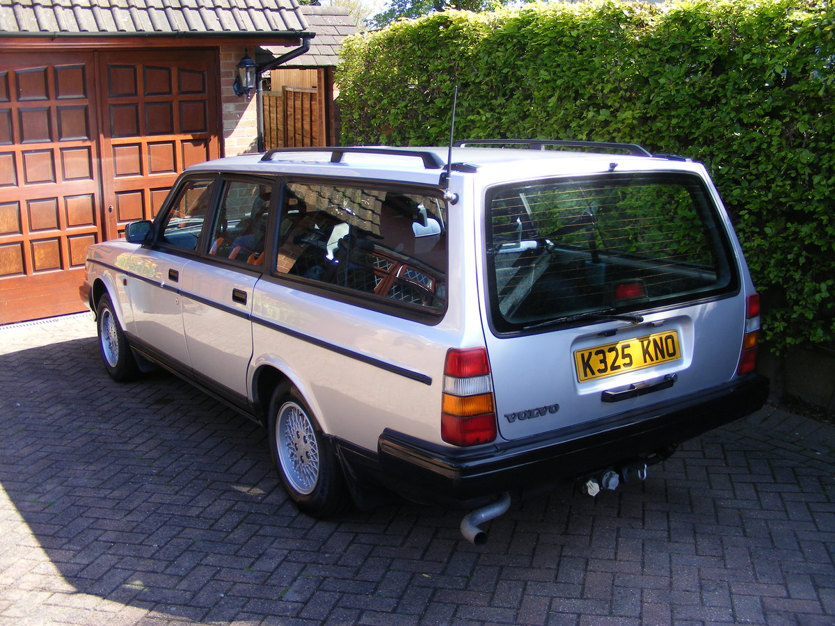 1993 Volvo 240 Torslanda Estate SOLD (picture 3 of 6)