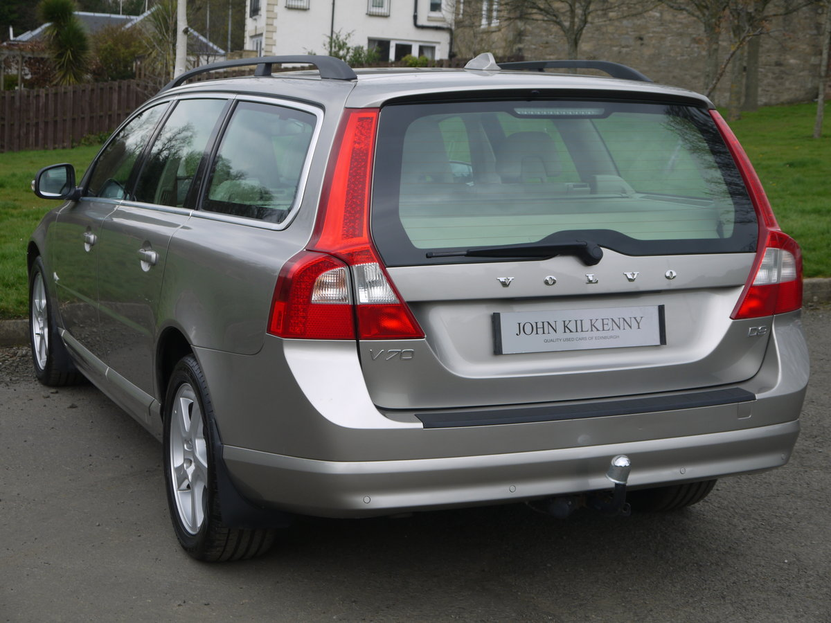 2011 (11) VOLVO V70 2.0 D3 SE ONLY 49000 MILES** FULL VOLVO SERVI For Sale (picture 3 of 6)