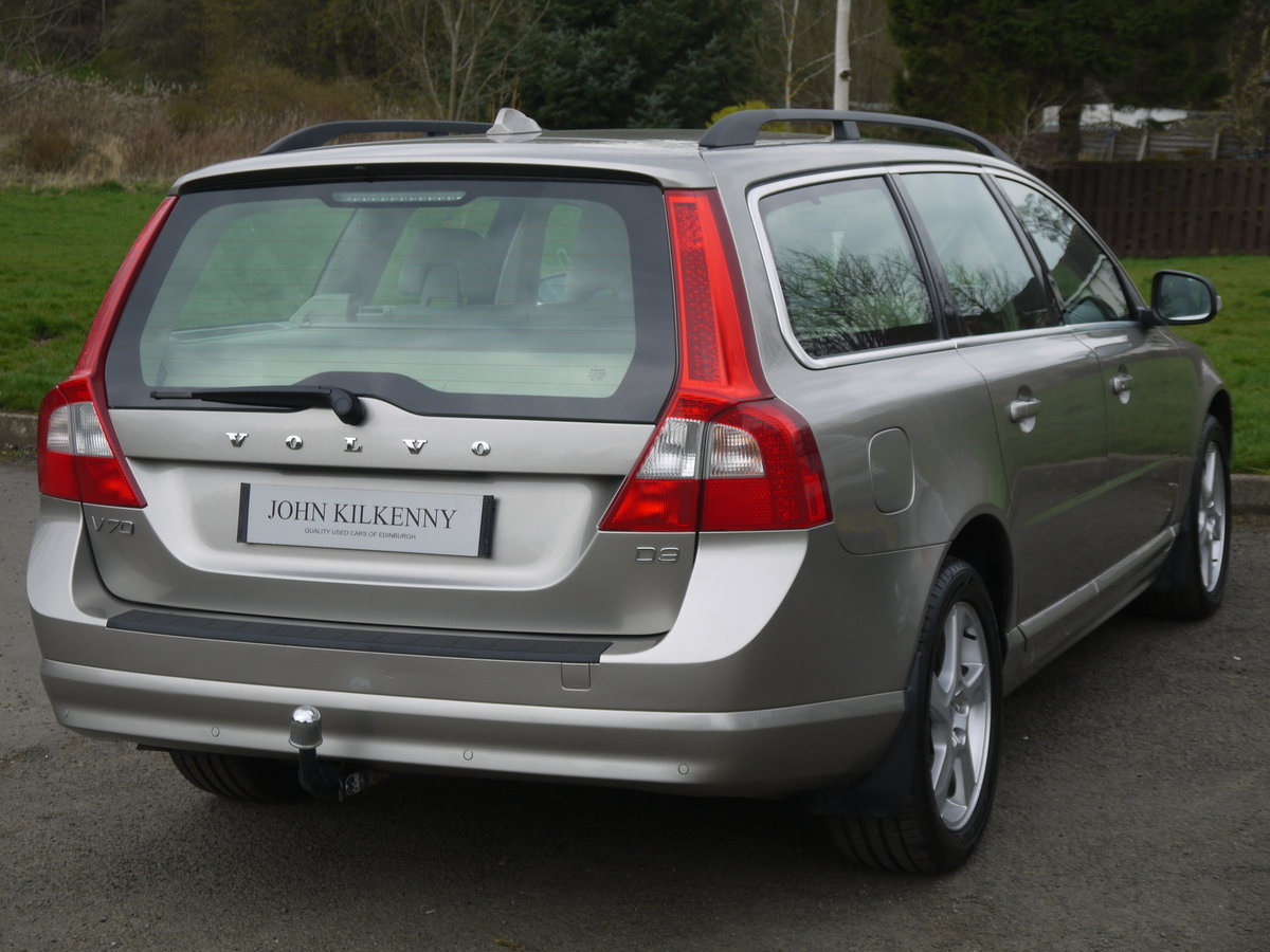 2011 (11) VOLVO V70 2.0 D3 SE ONLY 49000 MILES** FULL VOLVO SERVI For Sale (picture 4 of 6)