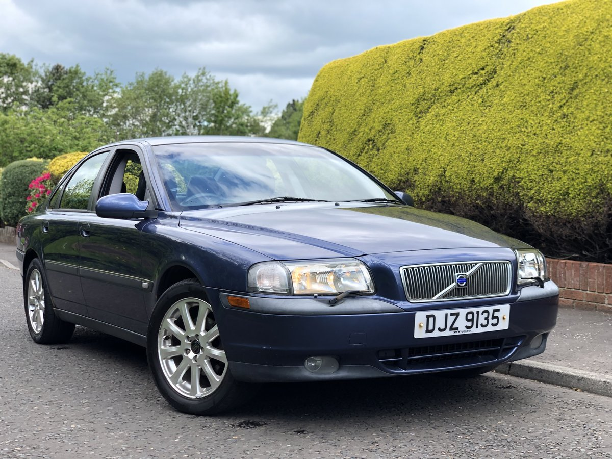 2002 Volvo S80 2.4 SE Manual SOLD (picture 1 of 6)