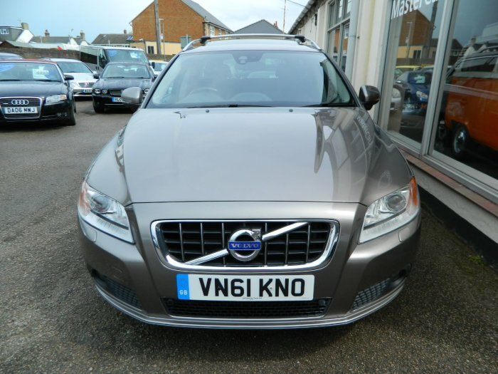 2011/61 Volvo V70 2.0 D3 SE Lux Geartronic Estate 43674 mls  For Sale (picture 2 of 6)
