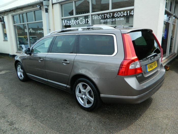 2011/61 Volvo V70 2.0 D3 SE Lux Geartronic Estate 43674 mls  For Sale (picture 3 of 6)
