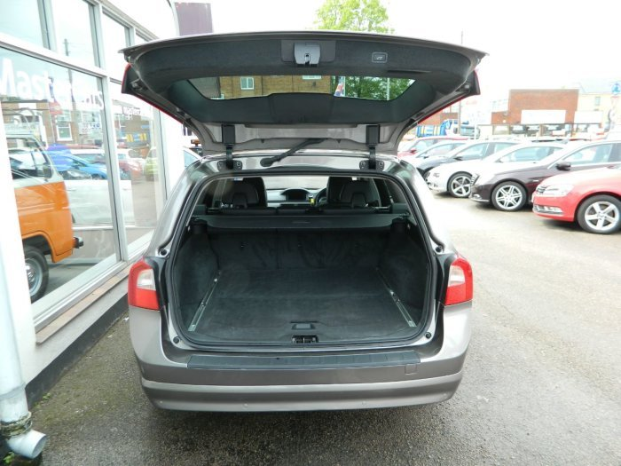 2011/61 Volvo V70 2.0 D3 SE Lux Geartronic Estate 43674 mls  For Sale (picture 4 of 6)