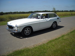 1972 VOLVO P1800ES SUPERB CAR WITH STUNNING RED LEATHER TRIM For Sale