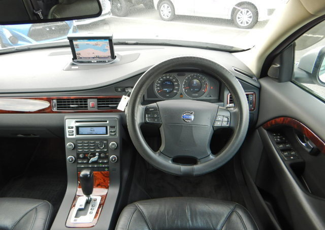 VOLVO V70 2008 SE 3.2 AUTOMATIC FULL LEATHER  For Sale (picture 5 of 6)