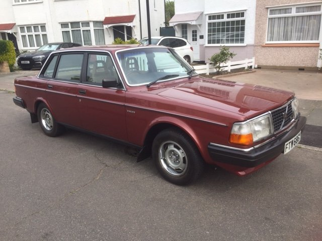 1982 VOLVO 244 GL.Auto 4 Door Saloon CLASSIC  SOLD (picture 2 of 5)