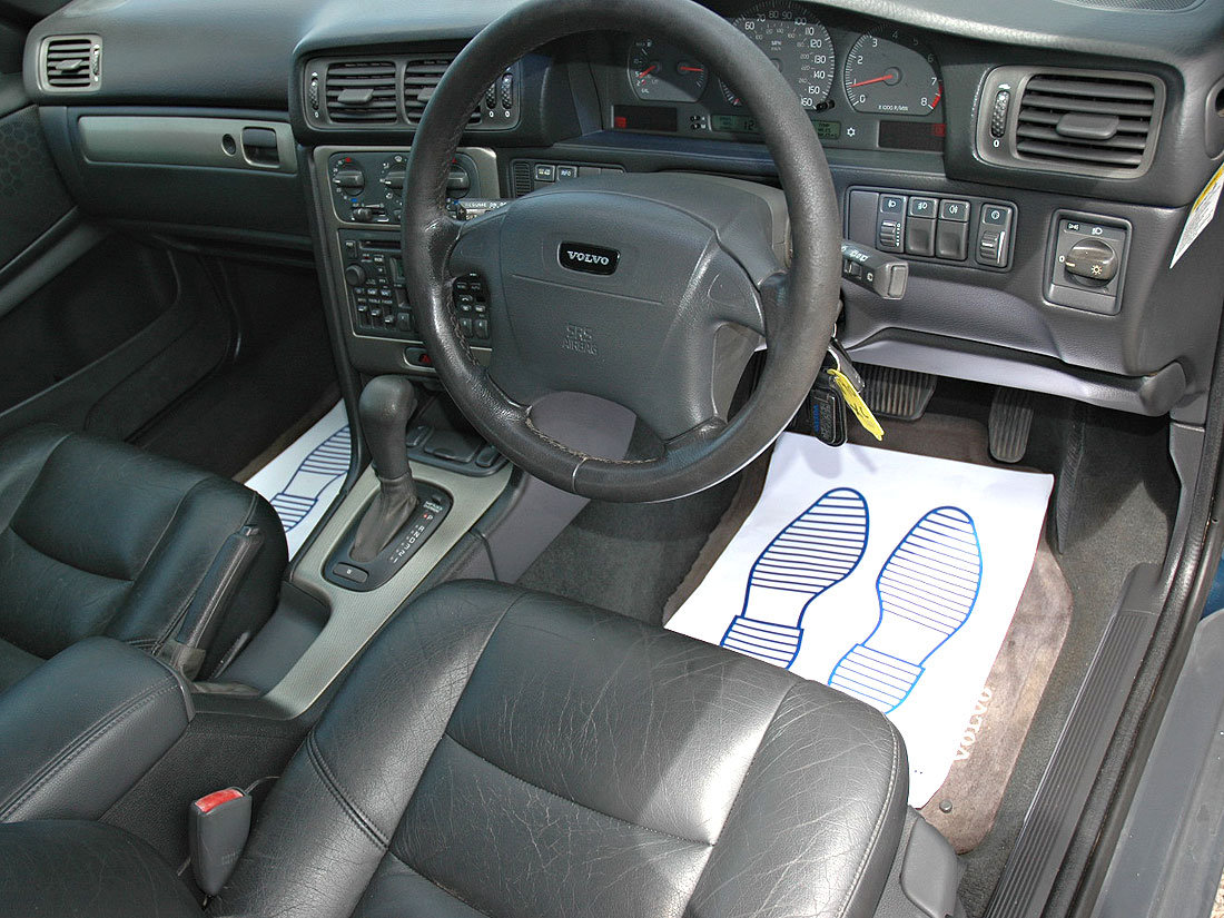 2000 Volvo V70 XC 2.4T SE Automatic 96,000m Service History For Sale (picture 6 of 6)