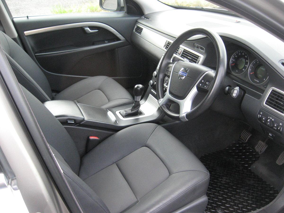 2009 59-reg Volvo V70 2.0 D ( 136ps ) SE Estate manual For Sale (picture 4 of 6)