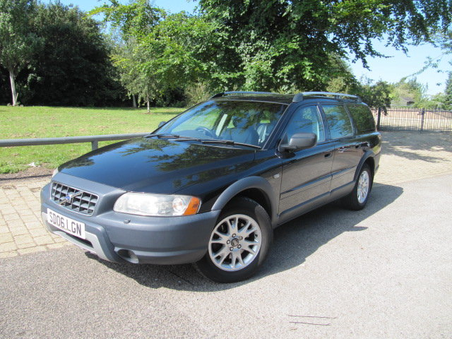 2006 VOLVO XC70 SE LUX D5 AUTOMATIC DIESEL * LEATHER SEATS * SOLD (picture 1 of 6)