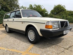 1990 Volvo 240 GL Estate. Manual. Very original.  For Sale