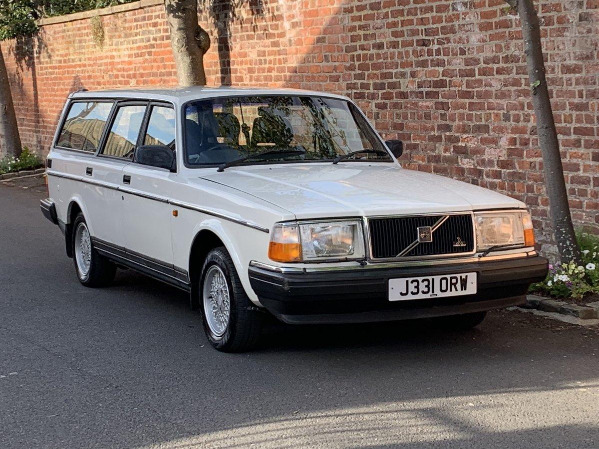 1992 VOLVO 240 SE 2.0 AUTO ESTATE. 51,000 MILES For Sale (picture 1 of 6)