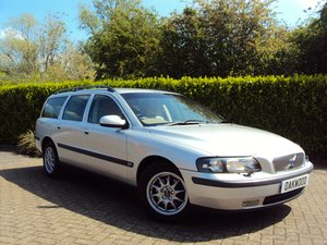 2001 A VERY WELL MAINTAINED VOLVO V70 (20 x SERVICES!!)