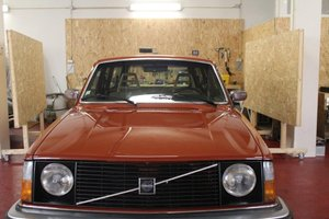 1977 Volvo 245 DL TURBO