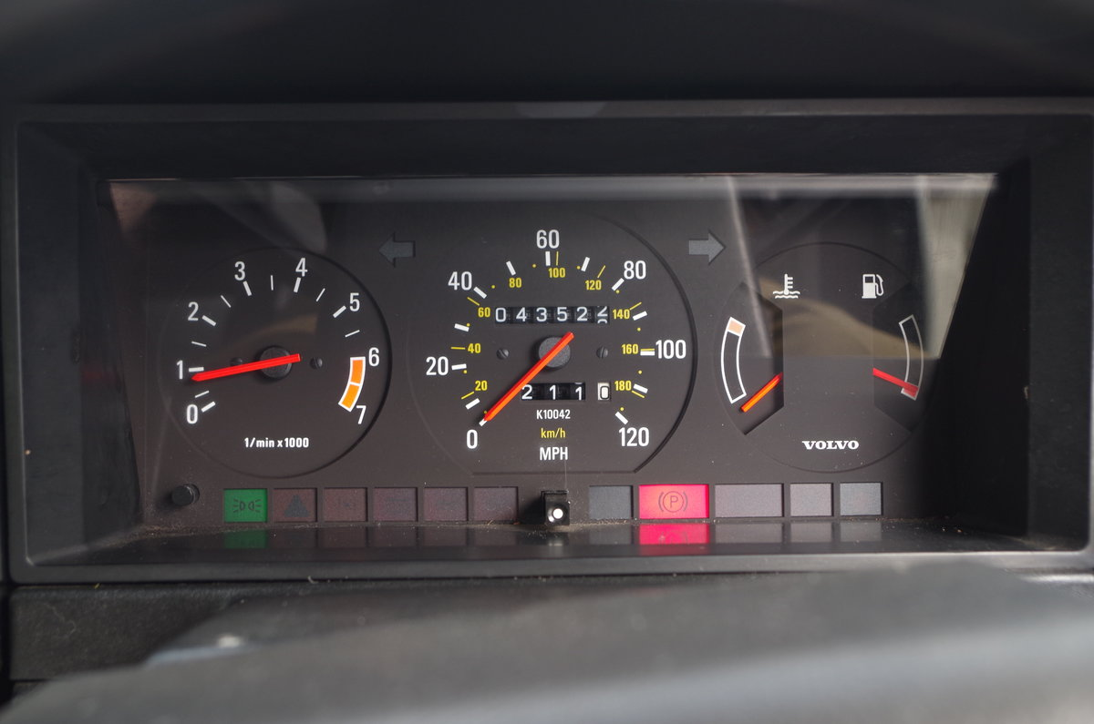 1990 Volvo 240 Saloon Ultra low mileage  For Sale (picture 5 of 6)