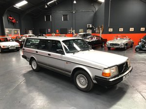 Picture of VOLVO 240 STATION WAGON TORSLANDA 1993 - VERY WELL CARED!! SOLD