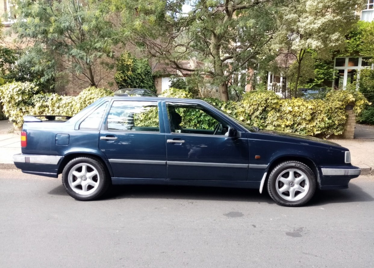 1993 Volvo With Rare 5 Speed Manual G Beautiful Classic For Sale (picture 1 of 5)