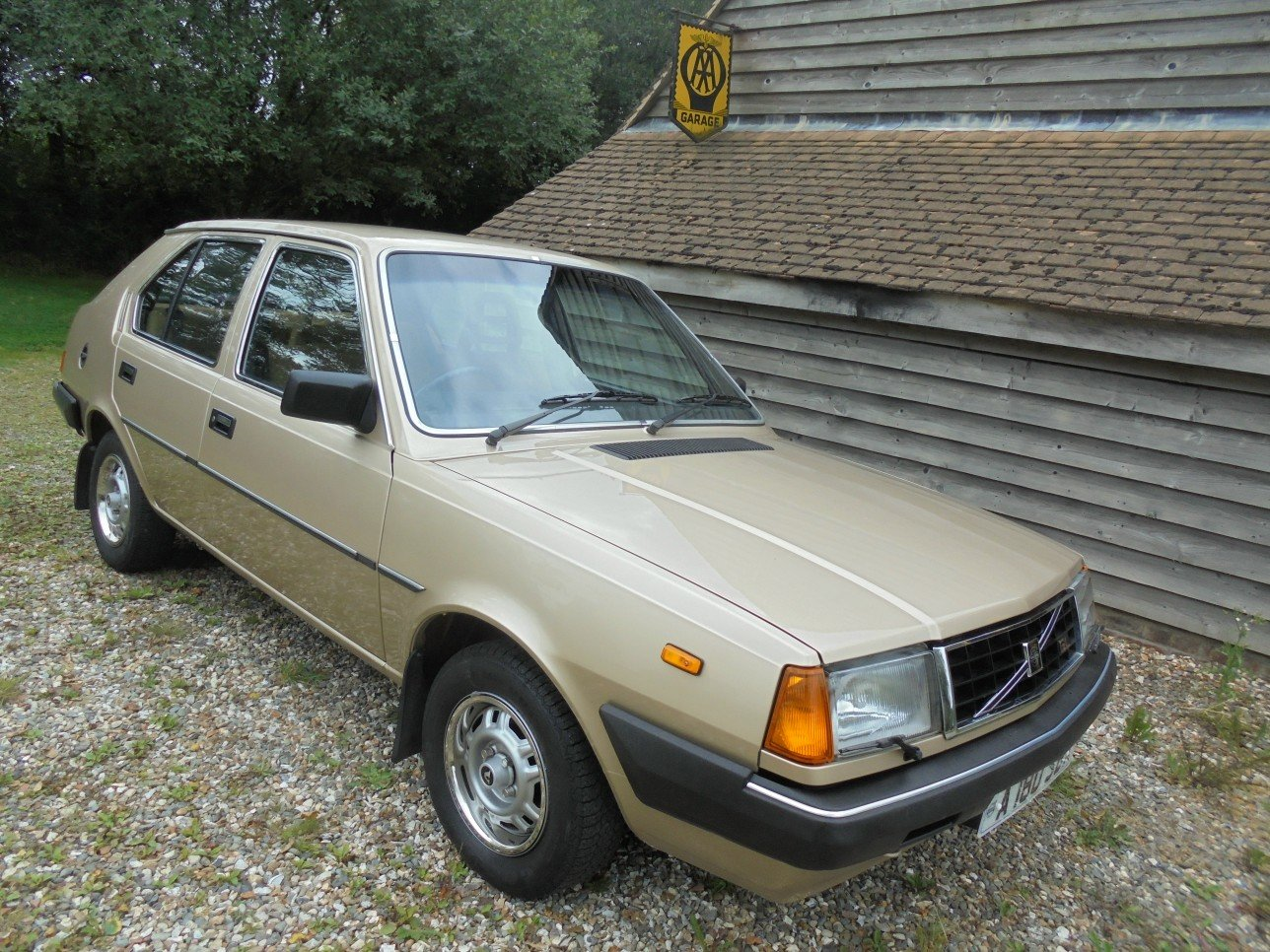 1983 Volvo 340 GL 5 Door 1.4 Saloon. For Sale (picture 1 of 6)