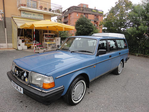 UNIQUE VOLVO 240 GL RHD AUTOMATIC/OVERD,65000mls 1988 !!!! For Sale (picture 3 of 6)