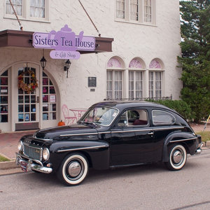 1962 Volvo PV544 Sport = clean Resored Black Manual $27.9k
