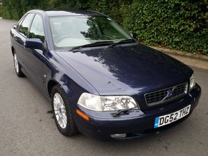 2002 ONE PRIVATE OWNER WITH FULL VOLVO SERVICE HISTORY !