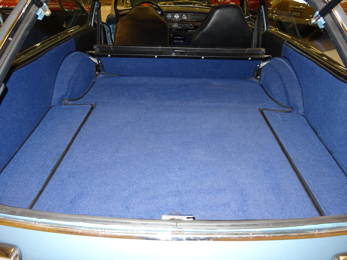 1972 Volvo 1800 ES - restoration completed in October 2019 For Sale (picture 4 of 6)
