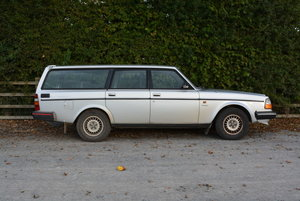 1985 Volvo 240 GL Estate Automatic For Sale by Auction