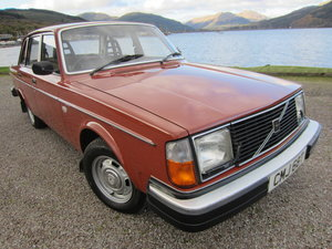 Volvo 244 DL Auto 1978, Genuine 37,000 miles. Mint For Sale