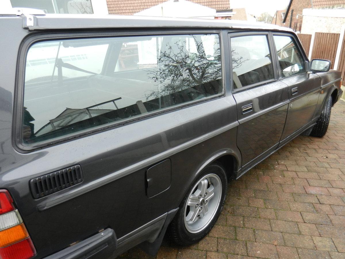 1989 Volvo 240 GLT Estate SOLD (picture 2 of 3)