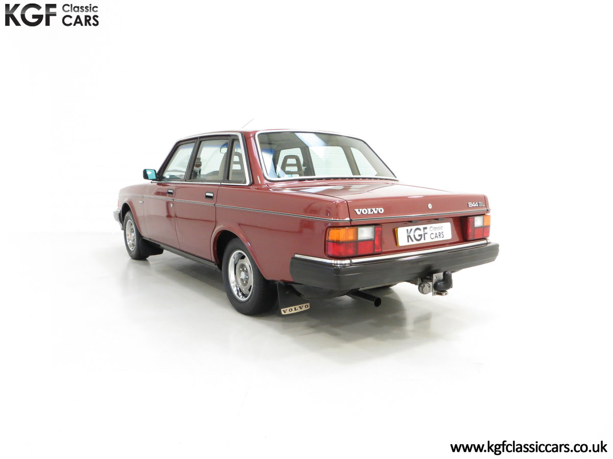 1982 An Incredible Volvo 244GL with Only Two Owners 36,639 Miles SOLD (picture 4 of 6)