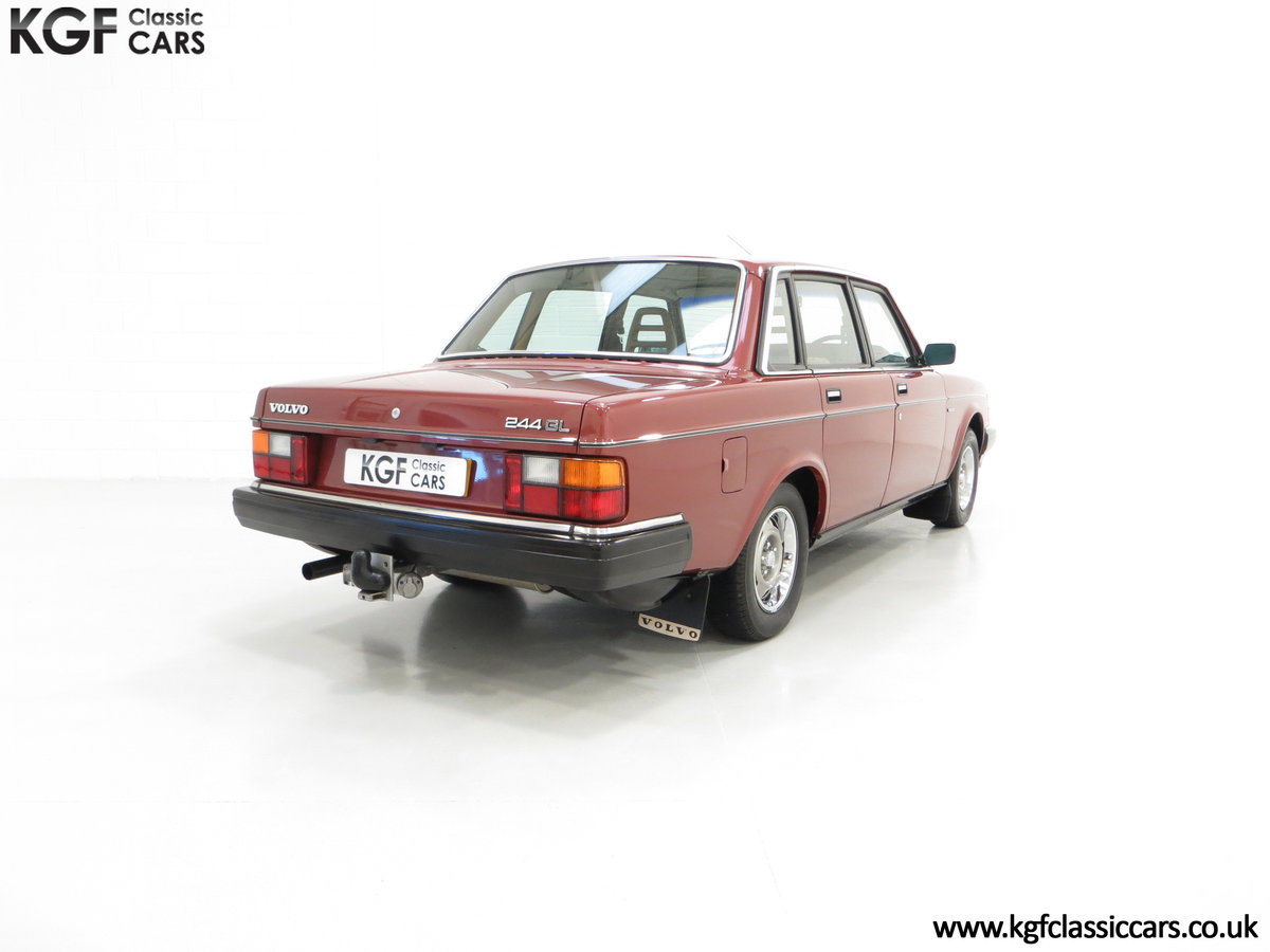 1982 An Incredible Volvo 244GL with Only Two Owners 36,639 Miles SOLD (picture 5 of 6)