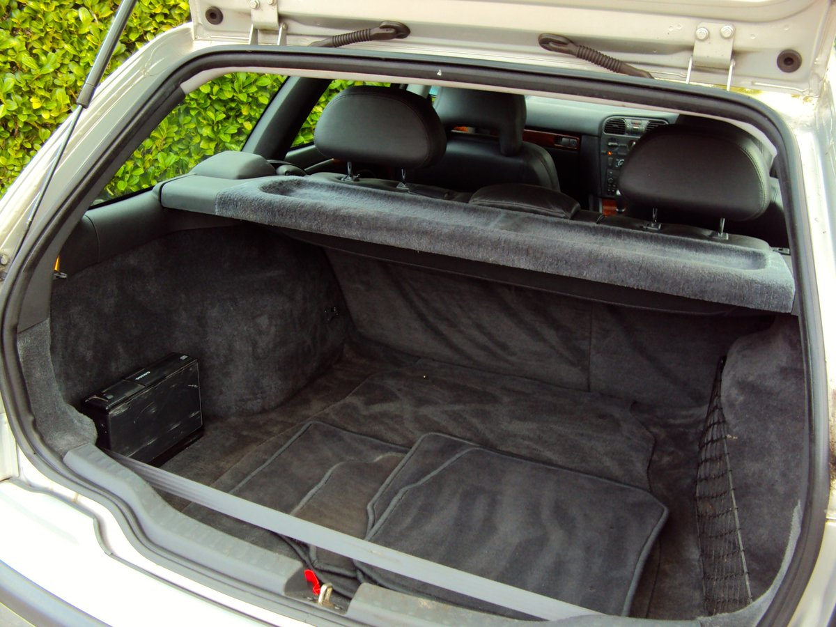 1997 A Wonderful Low Mileage Volvo V40 2.0 Petrol Estate NOW SOLD For Sale (picture 5 of 6)