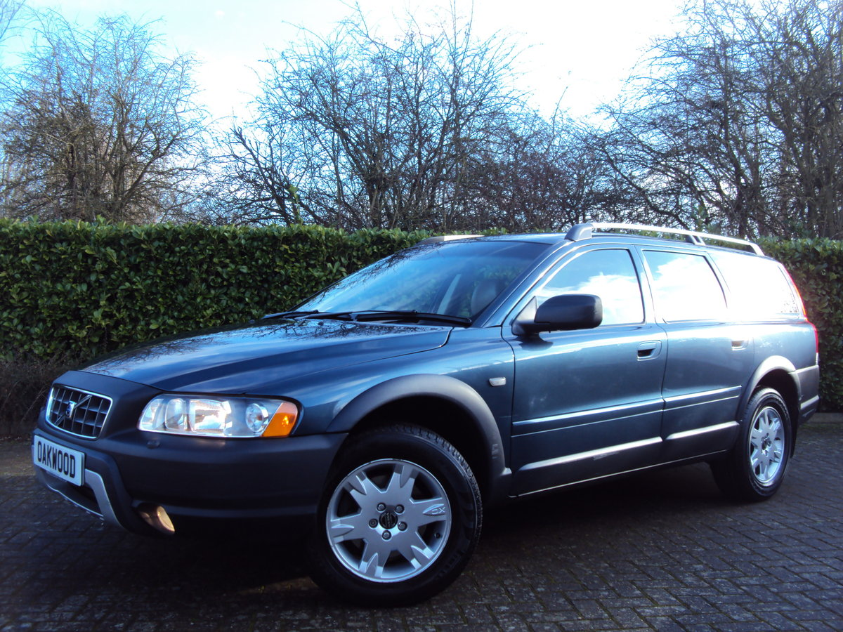 2005 An EXCEPTIONAL VOLVO XC70 2.4 D5 AWD ONLY 44K MILES - FSH!!  For Sale (picture 1 of 6)