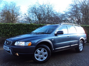An EXCEPTIONAL VOLVO XC70 2.4 D5 AWD ONLY 44K MILES - FSH!!