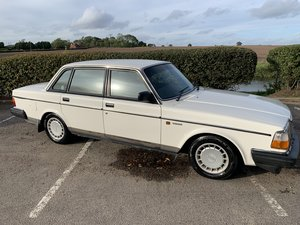 1990 Exceptional Volvo 240GL