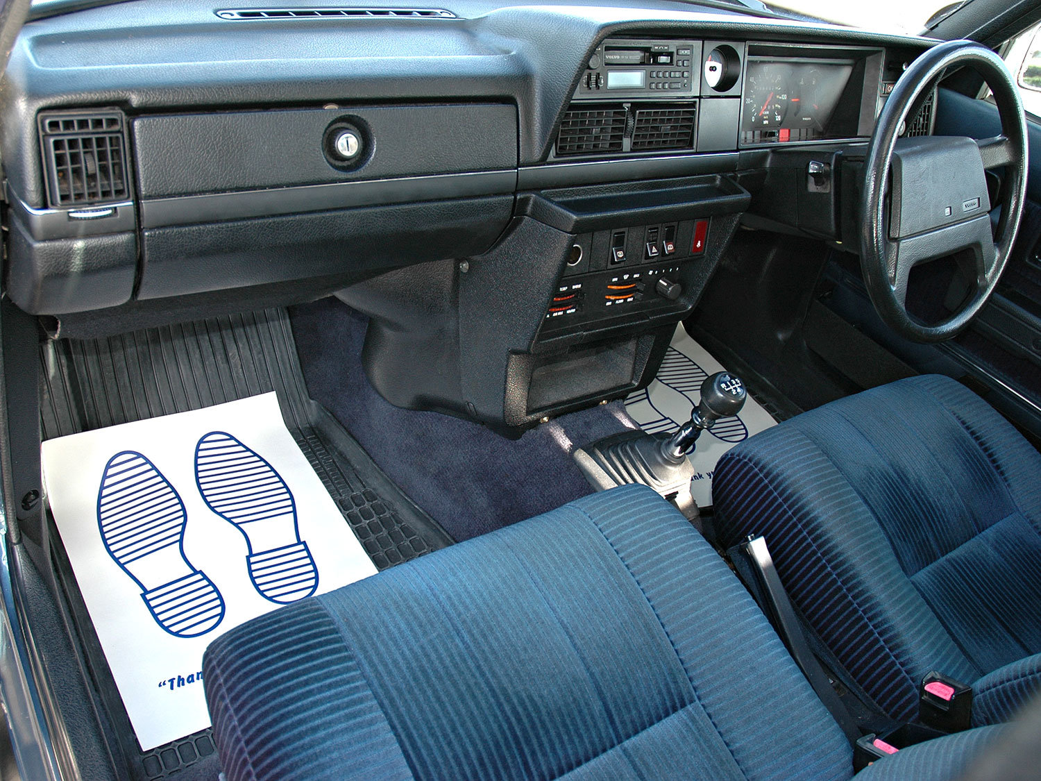 1992 Volvo 240 2.0 SE 5 Speed. 2 Owners Service History For Sale (picture 6 of 6)