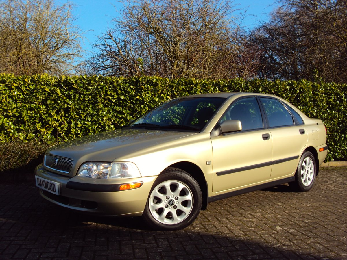 2001 Volvo S40 1.9D - 55K MILES - 16 x VOLVO SERVICES!!!! For Sale (picture 1 of 6)