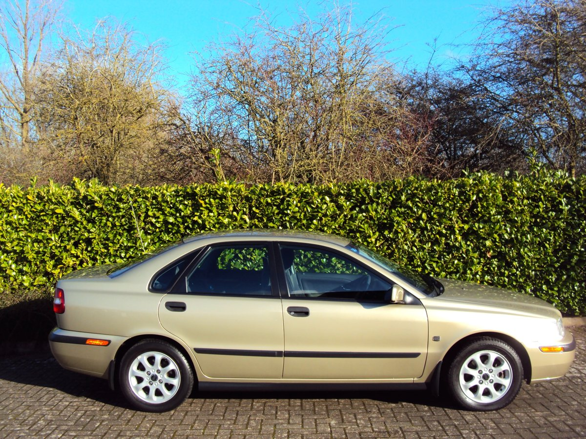 2001 Volvo S40 1.9D - 55K MILES - 16 x VOLVO SERVICES!!!! For Sale (picture 2 of 6)