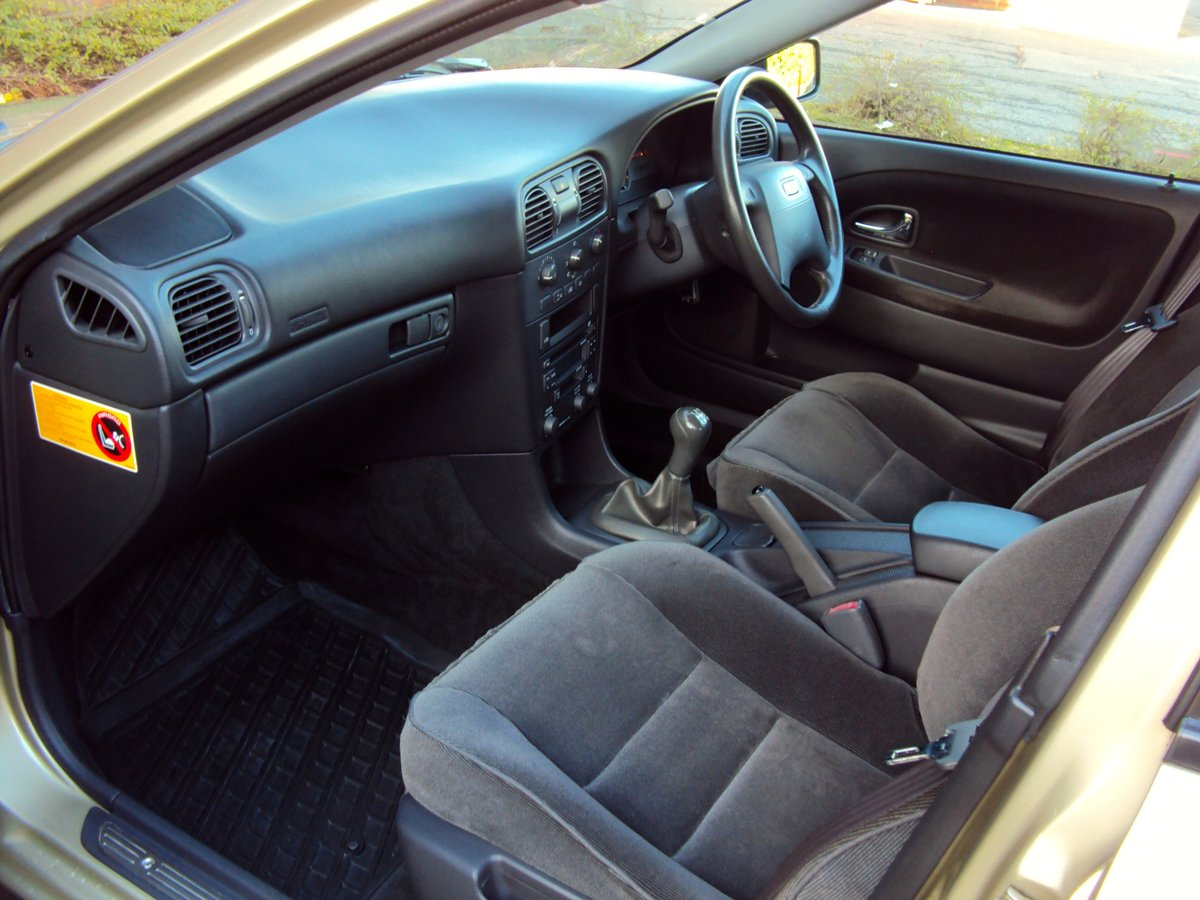 2001 Volvo S40 1.9D - 55K MILES - 16 x VOLVO SERVICES!!!! For Sale (picture 4 of 6)